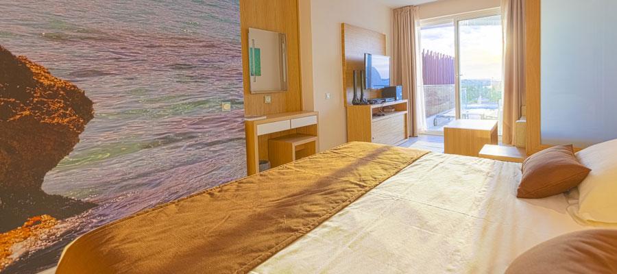 cobi_media_www.sirenishotels.com_cache_05_29_05290f9818c64b47c2d07f1105461cb3