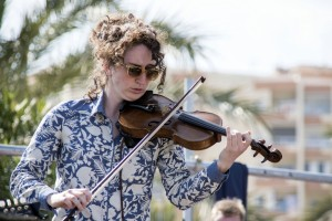 CostaDelFolk2015_140_StolenGnomes